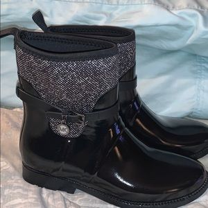 Michael Kors Charm stretch short Rain Boots